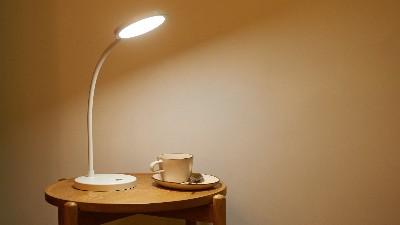 多功能发光二极管台灯的设计