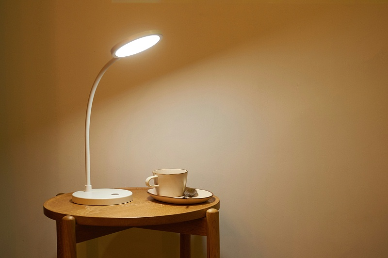 智能LED台灯